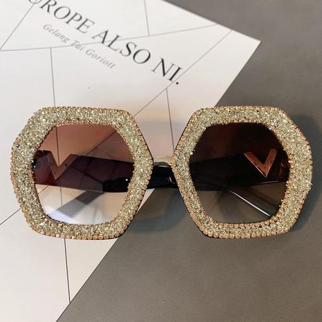Vente en gros lunettes de soleil en diamant incrusté de cadre de rhumbus irrégulier nihaojewelry NHMSG385855's discount tags