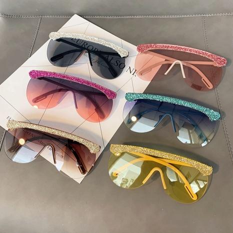 Vente en gros lunettes de soleil en diamant incrustées de lentilles monobloc à monture ronde nihaojewelry NHMSG385857's discount tags
