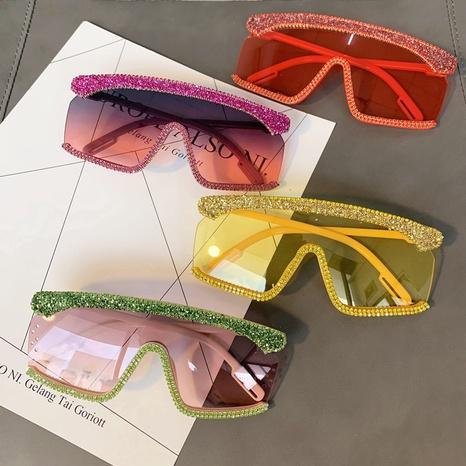 vente en gros lunettes de soleil en diamant incrusté à grand cadre carré nihaojewelry NHMSG385858's discount tags