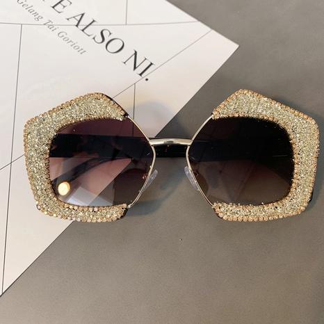 Vente en gros lunettes de soleil en diamant incrusté de cadre polygone rétro nihaojewelry NHMSG385865's discount tags