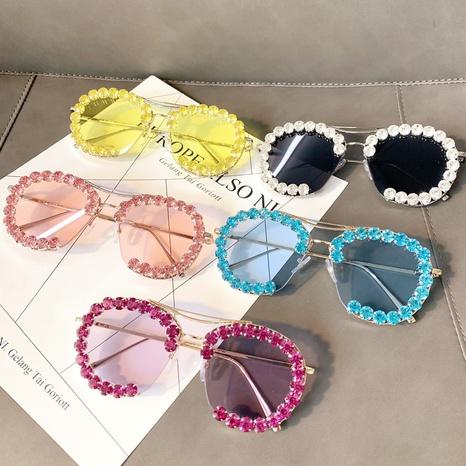 Vente en gros lunettes de soleil en diamant incrusté demi-monture couleur bonbon nihaojewelry NHMSG385871's discount tags