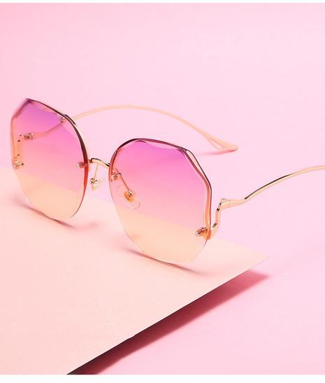 Vente en gros lunettes de soleil à monture irrégulière dégradée nihaojewelry NHZIH385501's discount tags