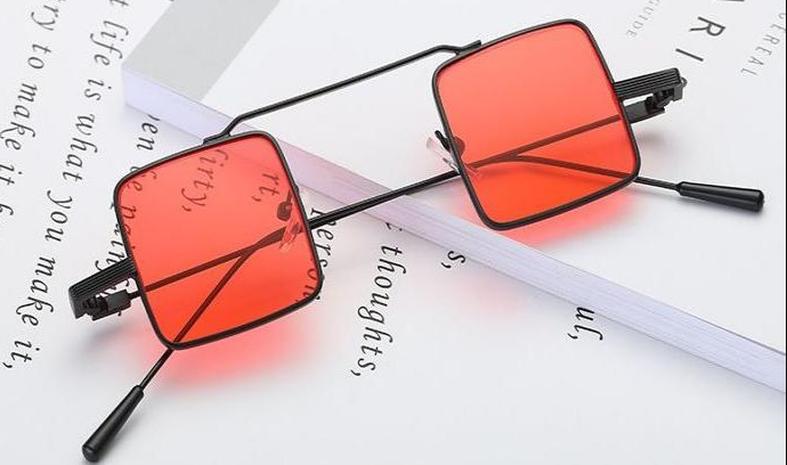 Vente en gros petites lunettes de soleil carrées rétro nihaojewelry NHZIH385512's discount tags