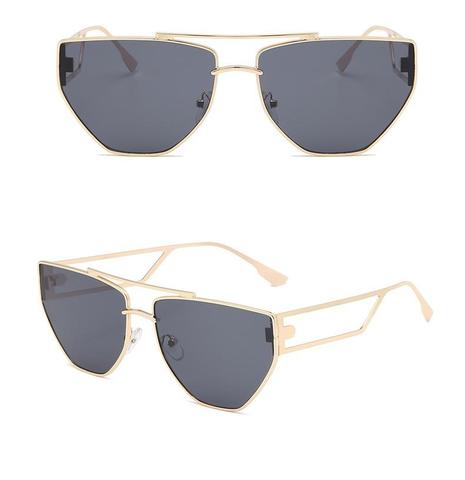 Vente en gros lunettes de soleil creuses creuses à monture irrégulière punk nihaojewelry NHZIH385502's discount tags