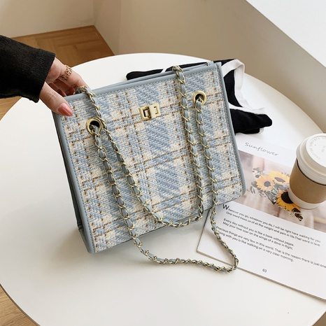 Nihaojewelry wholesale simple blue plaid braided chain single-shoulder handbag NHWH386123's discount tags