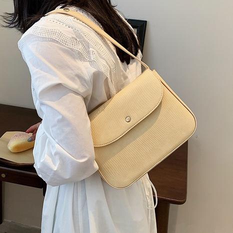 Nihaojewelry wholesale simple solid color flip shoulder underarm bag  NHAV386192's discount tags