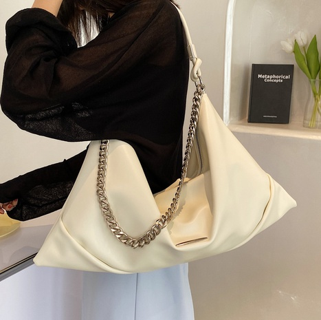 wholesale simple large-capacity chain shoulder bag Nihaojewelry NHLH386284's discount tags