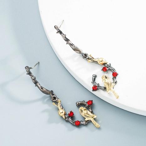 Großhandel Schmuck Retro diamantbesetzte Papageienschneckenohrringe Nihaojewelry NHLN387232's discount tags