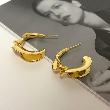 Pendientes de cobre plegados en forma de C de joyería al por mayor de Nihaojewelry NHGI387441's discount tags