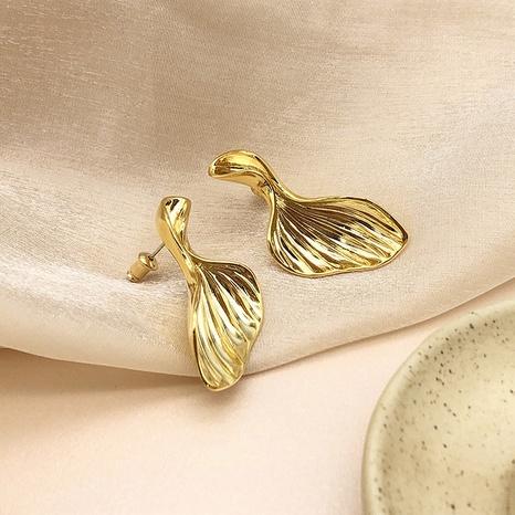 Nihaojewelry joyería al por mayor pendientes de cobre chapados en oro de 18k con cola de pez coreana NHGI387448's discount tags