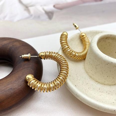 Pendientes de perlas en forma de C sinuosos de línea de moda de joyería al por mayor de Nihaojewelry NHGI387457's discount tags