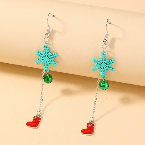 Nihaojewelry Großhandel Schmuck Mode Schneeflocke Glocken Weihnachtsstrümpfe Kupfer Lange Ohrringe NHDB387538's discount tags