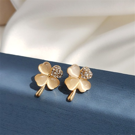 Großhandel Schmuck Opal Vierblättriges Kleeblatt Korean Style Ohrringe Nihaojewelry NHPF387769's discount tags
