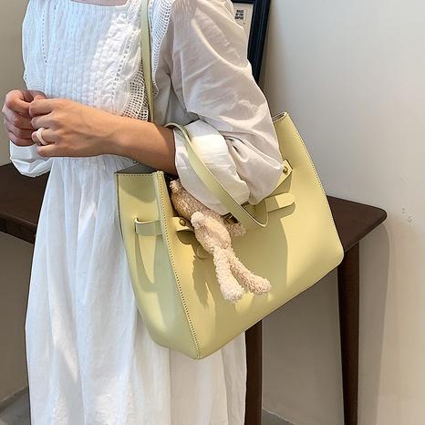 wholesale bolso de hombro colgante de muñeca de oso de gran capacidad de color sólido Nihaojewelry NHAV388749's discount tags