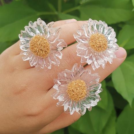 Al por mayor joyería simple flor transparente pequeña margarita anillo Nihaojewelry NHYIA389751's discount tags