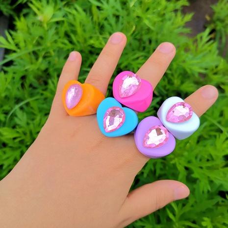 Al por mayor joyería de resina geométrica anillo en forma de corazón Nihaojewelry NHYIA389760's discount tags