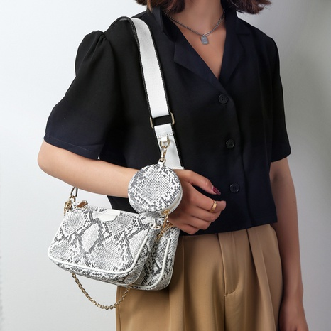 wholesale snake pattern one-shoulder messenger small square bag nihaojewelry  NHLH390504's discount tags