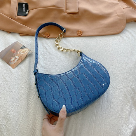 wholesale crocodile pattern solid color messenger underarm bag nihaojewelry  NHXC390586's discount tags