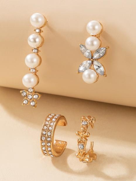 wholesale Korean style geometric pearl diamond earrings set Nihaojewelry  NHGY391577's discount tags