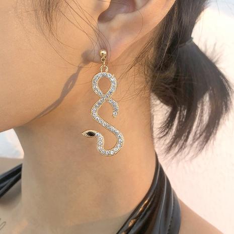 Großhandel Schmuck einfache hohle schlangenförmige Ohrringe Nihaojewelry NHMD391379's discount tags