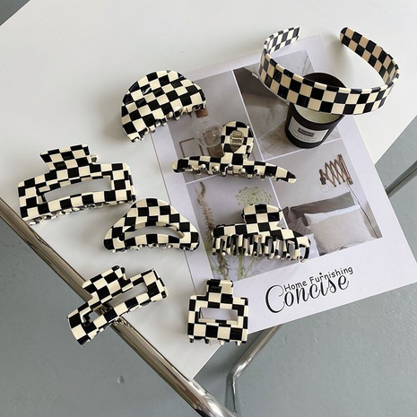 Wholesale black and white checkerboard series Shark Clip acetate plate gripping back head shark gripper NHQIY392189's discount tags