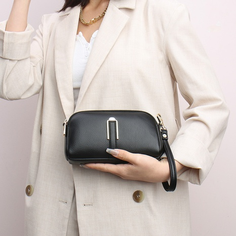 vente en gros sac de téléphone portable de couleur unie à fermeture éclair rétro Nihaojewelry NHAV392646's discount tags