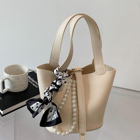 Nihaojewelry Großhandel Mode Perlenkette Kontrastfarbe tragbare Eimertasche NHAV377952's discount tags