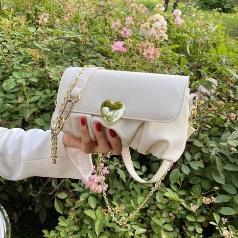 vente en gros sac à bandoulière avec serrure à bouton coeur Nihaojewelry NHAV378025's discount tags