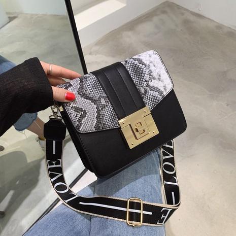 vente en gros sac carré à bandoulière large motif peau de serpent assorti Nihaojewelry NHAV378035's discount tags