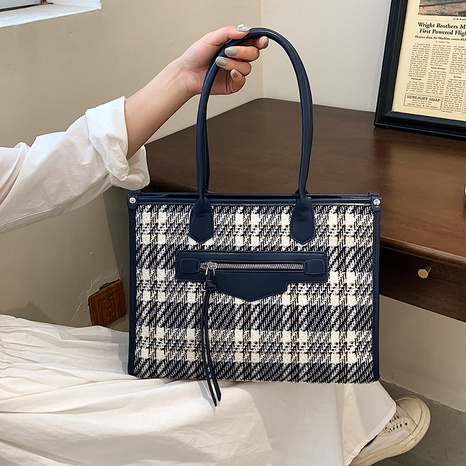 wholesale large-capacity plaid tote bag Nihaojewelry NHGN394838's discount tags