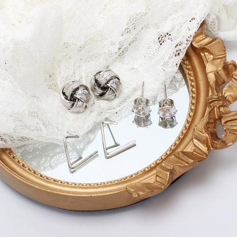 nihaojewelry pendientes de diamantes de imitación de flores geométricas irregulares retro set joyería al por mayor NHRN378403's discount tags