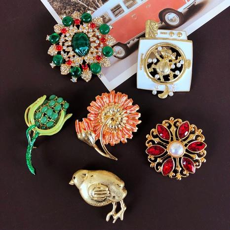 nihaojewelry retro flower drip glaze red green gemstone brooch wholesale jewelry NHOM378522's discount tags