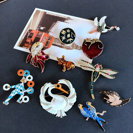 nihaojewelry simple animal brooch universe drip glaze gem brooch wholesale jewelry NHOM378536's discount tags