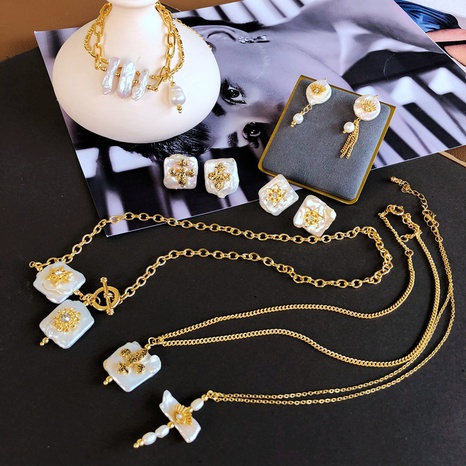 Nihaojewelry collier pendentif coquillage baroque boucles d'oreilles en perles de culture bijoux en gros NHOM378540's discount tags