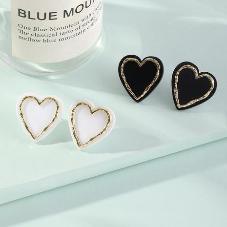Pendientes de acrílico del corazón del melocotón de la aleación simple al por mayor de la joyería de Nihaojewelry NHNZ378865's discount tags