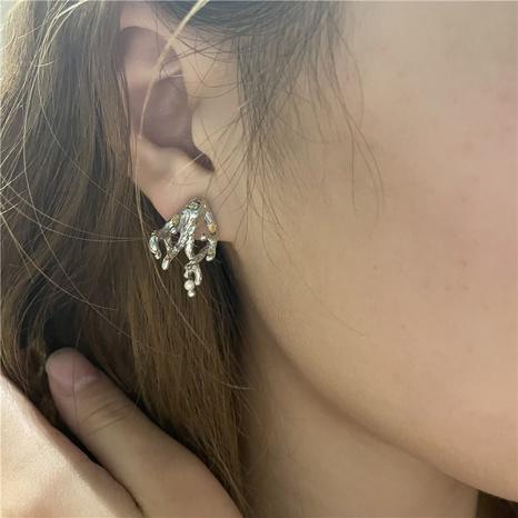 Nihaojewelry mode perle feuille d'or boucles d'oreilles branche asymétrique bijoux en gros NHYQ378884's discount tags