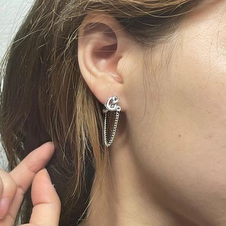 Nihaojewelry bijoux en gros simple chaîne en alliage gland boucles d'oreilles géométriques NHYQ378892's discount tags