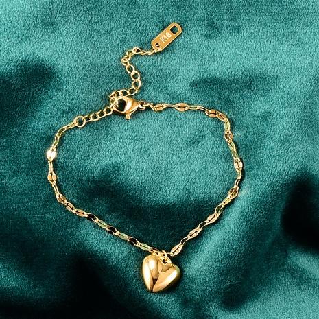 Pulsera de acero de titanio con lentejuelas de corazón simple Nihaojewelry, joyería al por mayor NHAB379165's discount tags