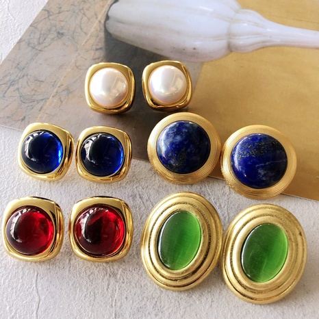 Nihaojewelry jewelry wholesale electroplating real gold gemstone pearl shell ear clip  NHOM379292's discount tags