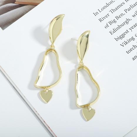 Nihaojewelry joyas al por mayor nueva moda corazón colgante chapado en latón pendientes largos irregulares NHJQ379381's discount tags