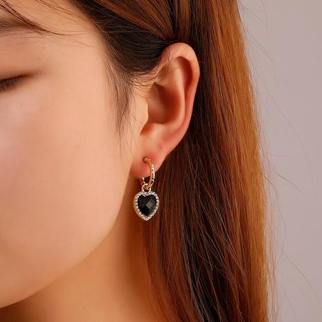 Al por mayor joyas pendientes colgantes de corazón negro Nihaojewelry NHDP379425's discount tags