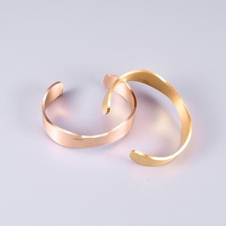 Al por mayor joyería vintage abierto pulsera de acero de titanio brillante Nihaojewelry NHAB379493's discount tags