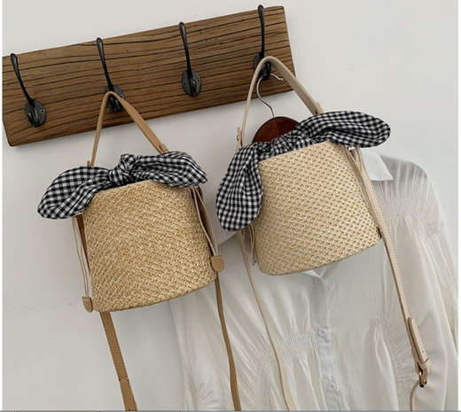 Nihaojewelry jewelry wholesale New Fashion Plaid Large Bow Bucket Straw Bag  NHTG380317's discount tags