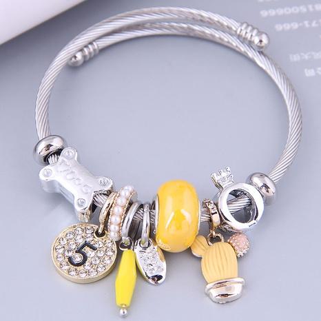 Nihaojewelry wholesale jewelry fashion metal round digital seaweed flower pendant bracelet NHSC383159's discount tags