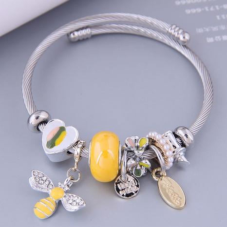 wholesale jewelry fashion metal bee pendant metal bracelet Nihaojewelry  NHSC383160's discount tags