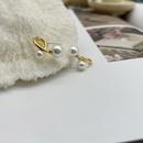 Nihaojewelry wholesale jewelry geometric copper pearl small stud earrings  NHGI381257