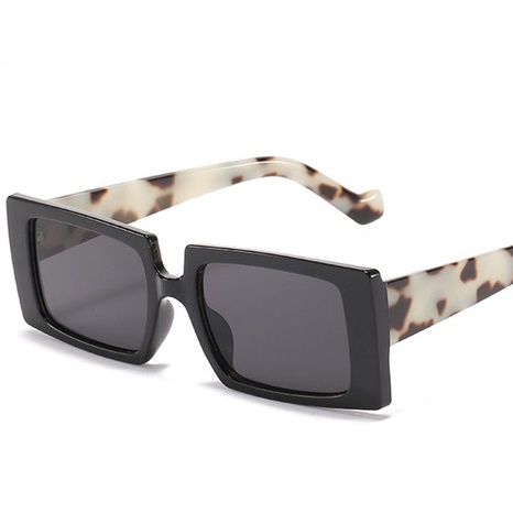 Wholesale Accessories Square Frame Transparent Sunglasses Nihaojewelry NHVM381392's discount tags