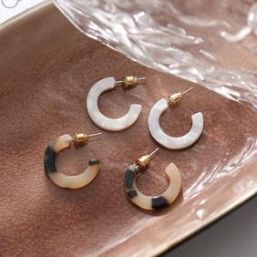 Fashion C-shaped Leopard Print Resin Earrings Wholesale Nihaojewelry  NHYI405116