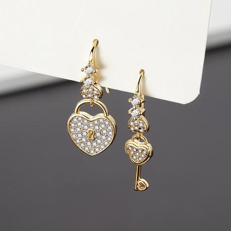 Großhandel Schmuck Herz Schlüsselanhänger Kupfer eingelegte Zirkonia asymmetrische Ohrringe nihaojewelry NHUW406145's discount tags