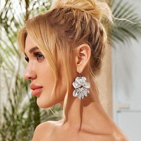 Modelegierung große Blumenohrringe Großhandel Nihaojewelry NHGY407641's discount tags